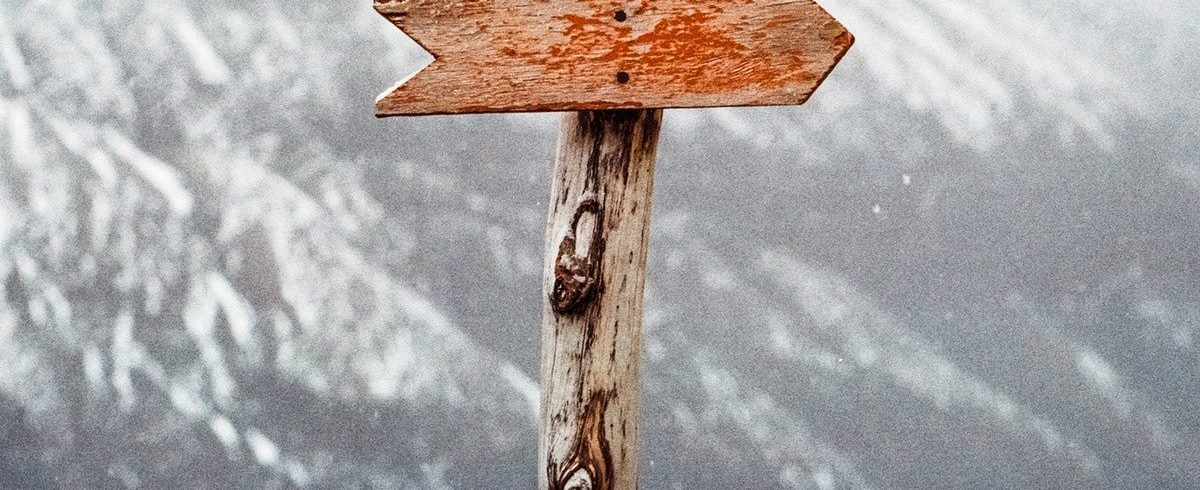 mountains-nature-arrow-guide-66100
